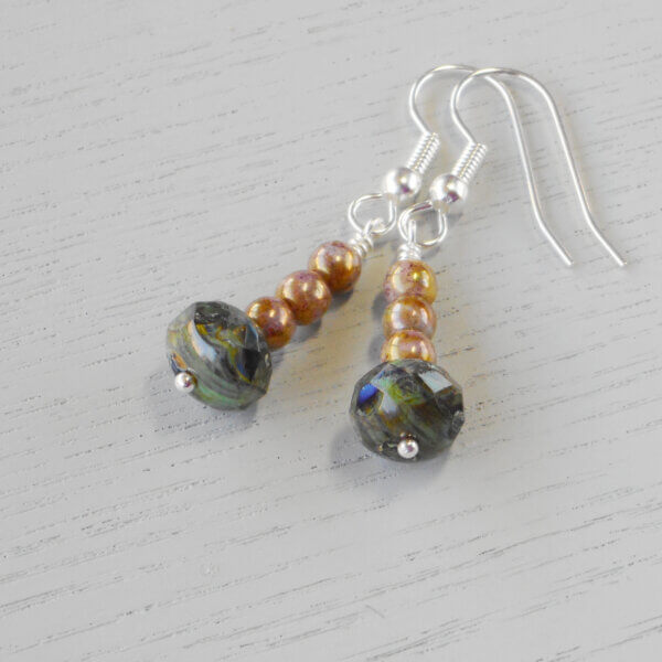 Le Rêve Picasso Glass Earrings These earrings certainly are a dream. The colours in the marbled effect of the main beads are repeated in the