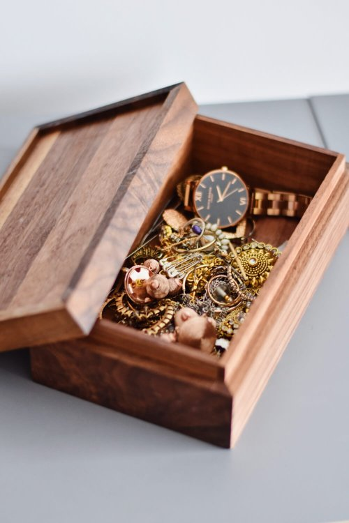 Repair and remodel the outdated items in your jewellery box