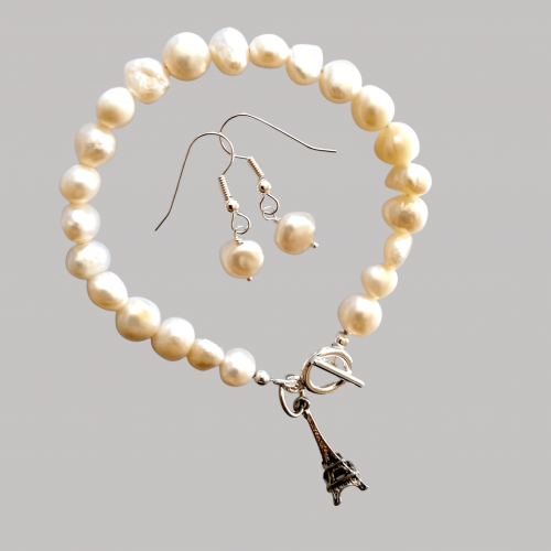 Repair Remodelling Service - Originally an elastic bracelet which had broken. I fixed it with a clasp and the extra pearls were made into earrings.